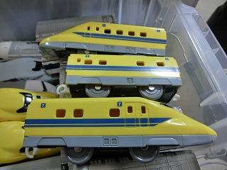 「S-07 ライト付923形ドクターイエロー T4編成」 側面