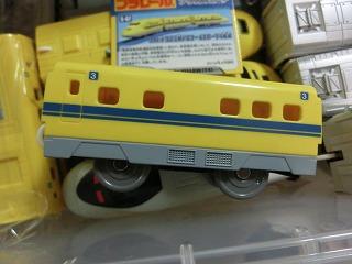 「KF-07 923形ドクターイエロー 中間車」 側面