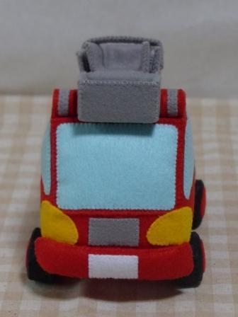 フェルト手芸 消防車 3