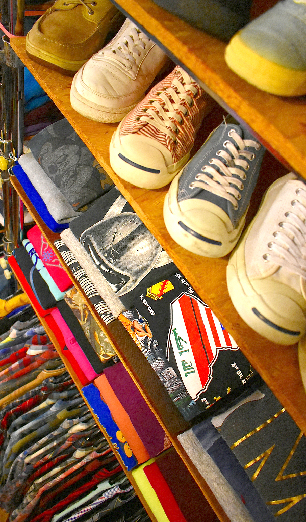 古着屋カチカチ店内画像Used Clothing Shop in Tokyo Kitaku03