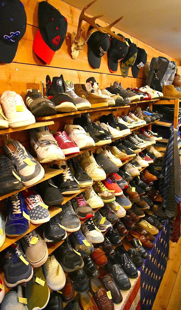 東京都北区王子の古着屋カチカチ店内画像012