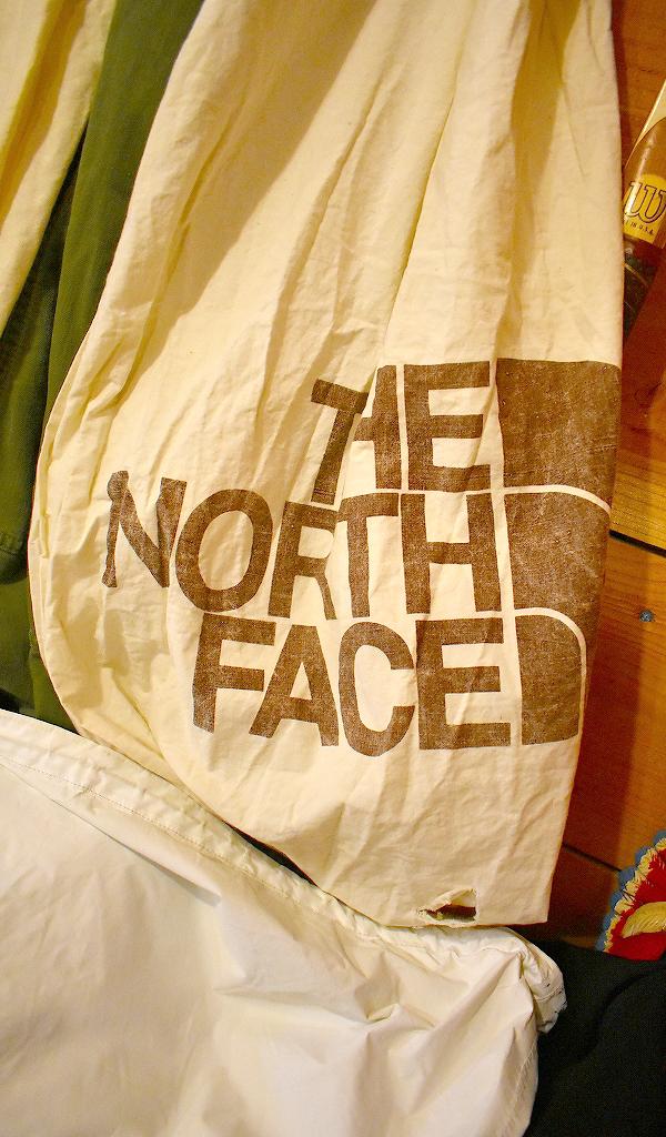 ノースフェイスNorth Faceマウンテンパーカー画像メンズレディースコーデ@古着屋カチカチ