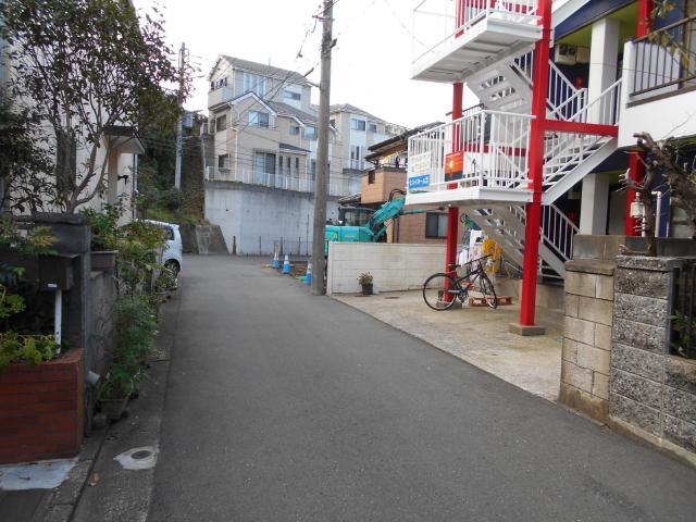 横須賀市馬堀町3丁目に残る海軍止水弁 (2)