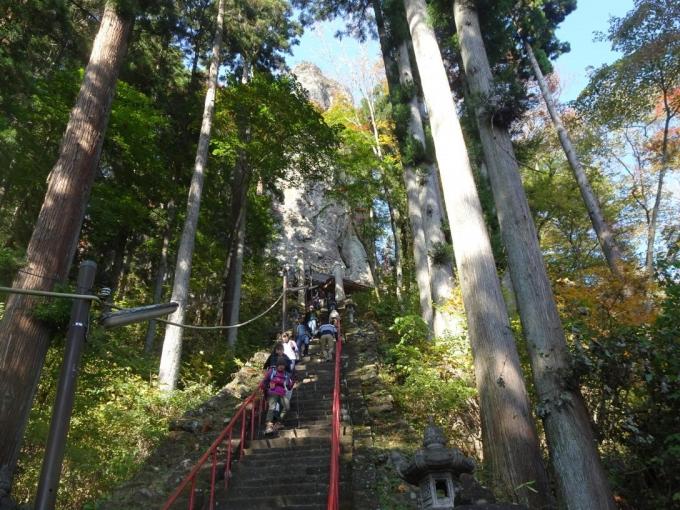 中ノ嶽岳神社の階段