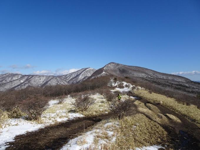 竈山から 雪がないよ~