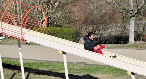 滑り台 (2)