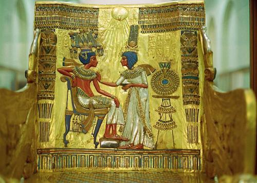 735x525_tutankhamun_golden_throne_convert_20190128100353.jpg