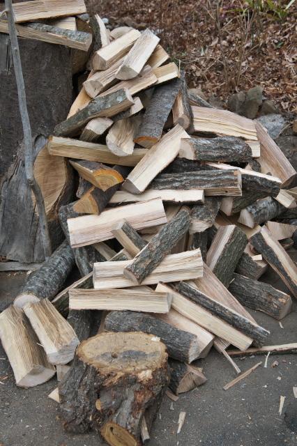玉切り材を薪に。-04