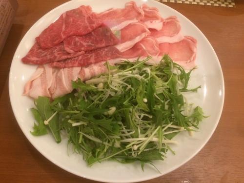 常陸牛と地元橅豚のお茶しゃぶしゃぶ地野菜とともに