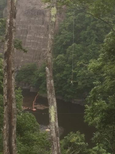 日本一高いブリッジバンジー!なんと高さ100メートル! 無事終了