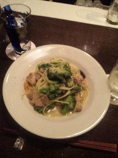 阿波尾鶏と菜花・ブロッコリーのペペロンチーノ