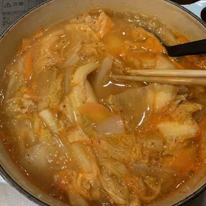 お味噌を入れて10分煮込みます