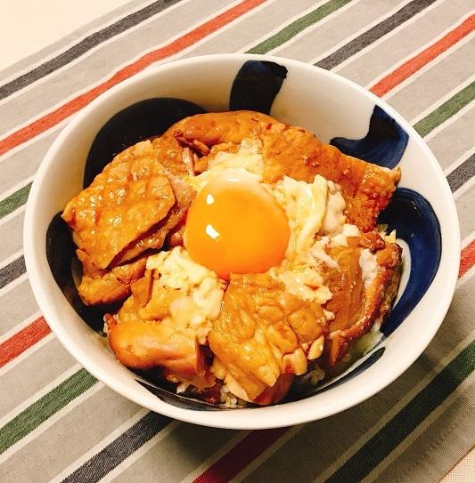くん製づくしの香り高きネオ親子丼9
