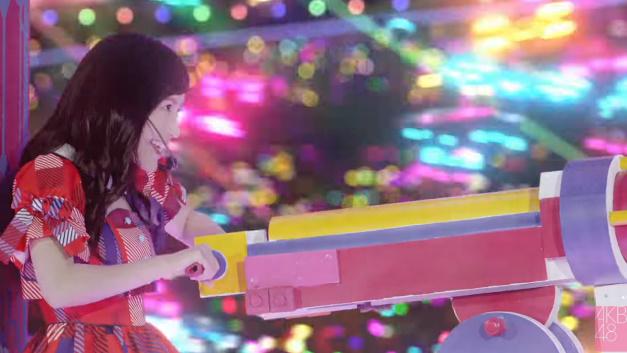 「やさしさに甘えられない」MV【渡辺麻友】バズーカをぶっ放す/その他