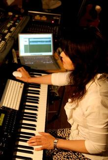 ジャズピアニストEVAのブログ-スタジオにて