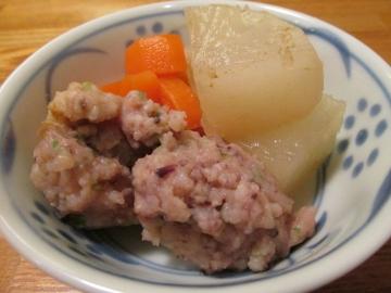 スルメ団子と根菜の煮物2