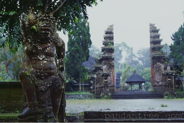 バトゥカウ寺院2
