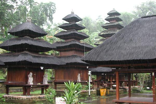 バトゥカウ寺院4