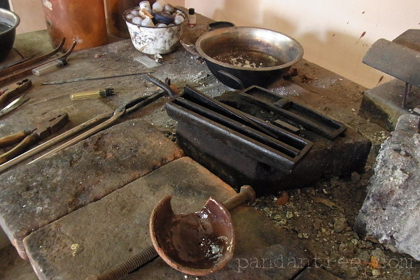 バリ島チュルクのシルバー工房3