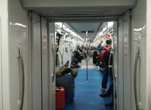 9 MRTにて高鐵桃園站へ