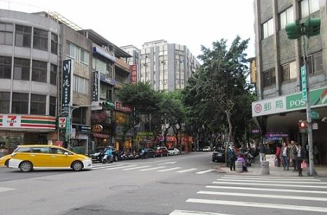 14 MRT站からホテルへの道・街角の風景