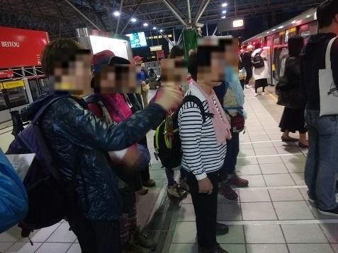 32 MRTに乗ってホテル近くの站へ