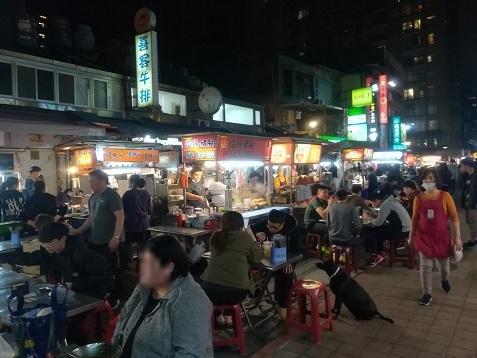 33 雙城街の夜市