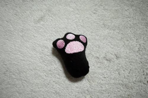 ネコの手おもちゃ