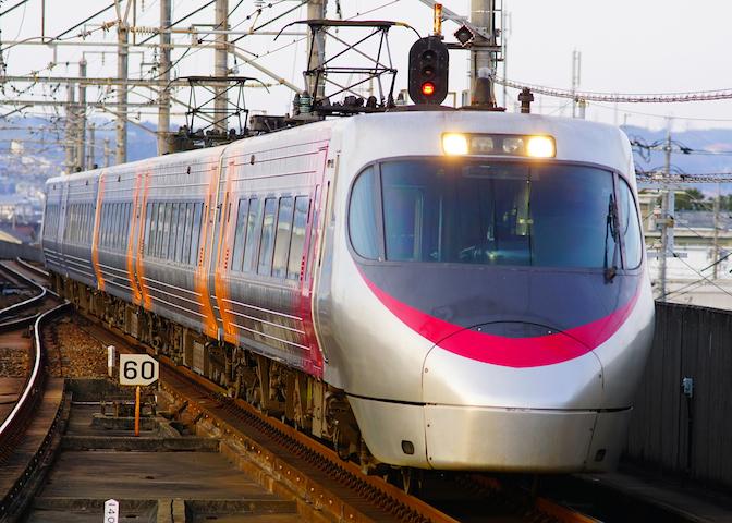 190210 JRS8000 Shiokaze1