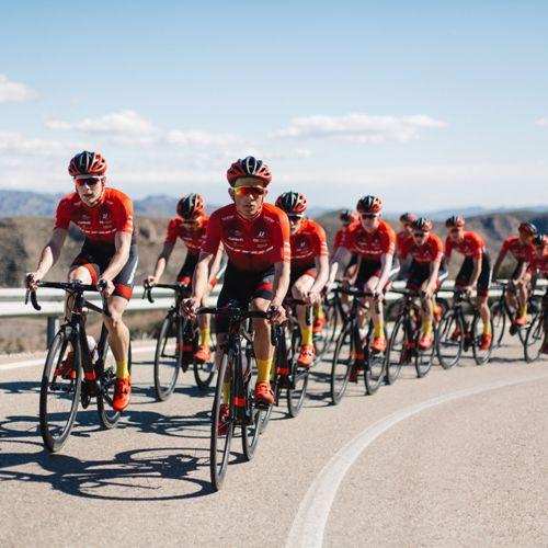Vitus-Bikes-Vitesse-Evo-Team-Dura-Ace-2018-Road-Bike-Road-Bikes-Black-Red-2018-14.jpg