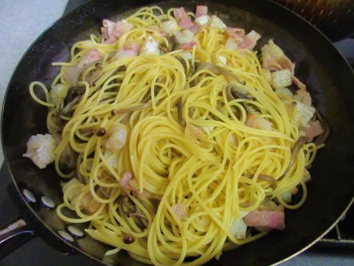 218  茹で上げ麺(1)