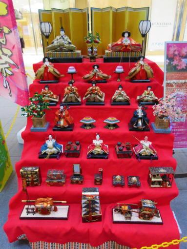 202  ひな人形(1)