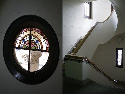 豊橋市公会堂・階段1