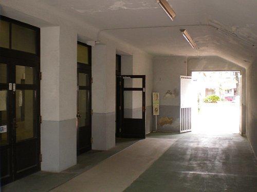 豊橋市公会堂・1F外玄関