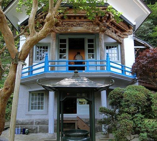 興福寺・六角堂1