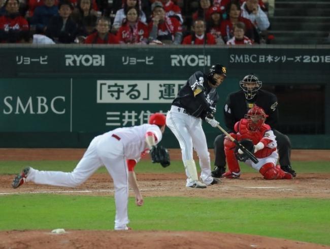 2018.10.28 日本シリーズ第2戦 広島バッテリーの徹底した内角攻めにソフトバンクの主砲・柳田のバットは空を斬る