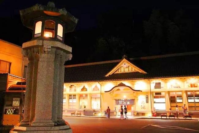 城崎温泉♨一の湯 夜の外観