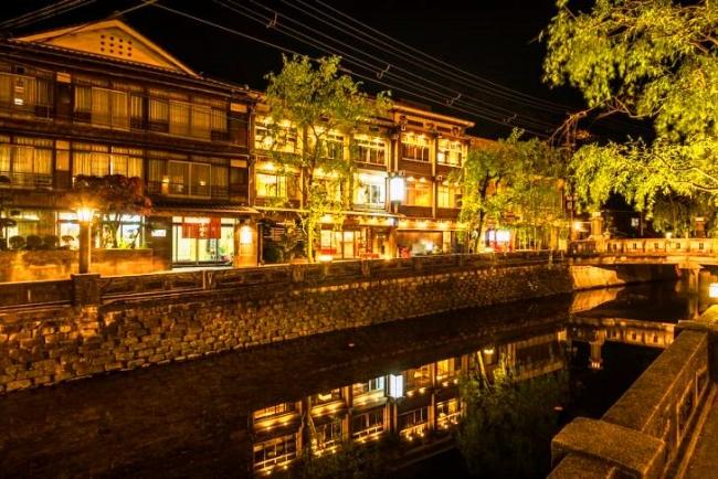 城崎温泉 夜の旅館まつや小林屋