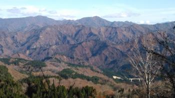 粟ヶ岳方面望む