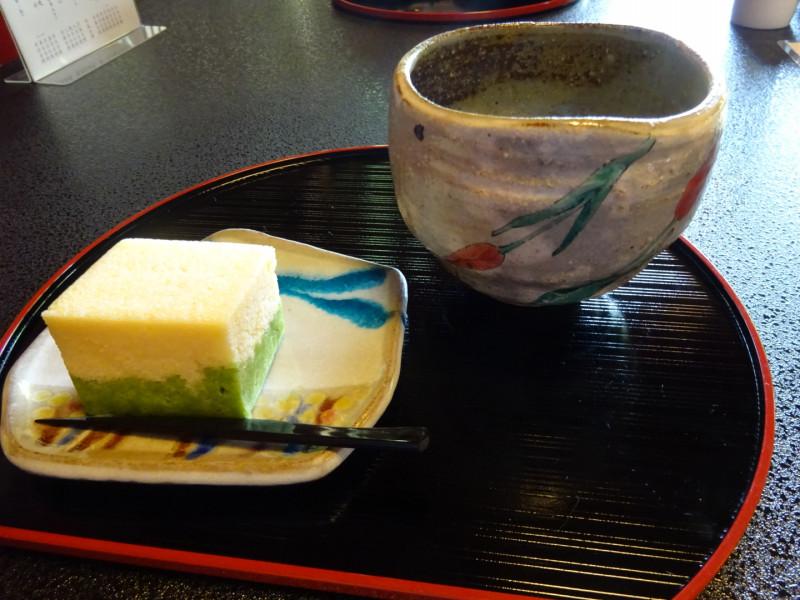 和テイストのカフェ