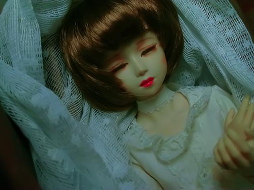 PARABOX、47グレーテルの閉眼ヘッドをメイクした、眠る乙女、葉子。トイデジ部の展示用に、トイデジで撮りました。