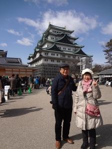 岩津天神の梅と名古屋城