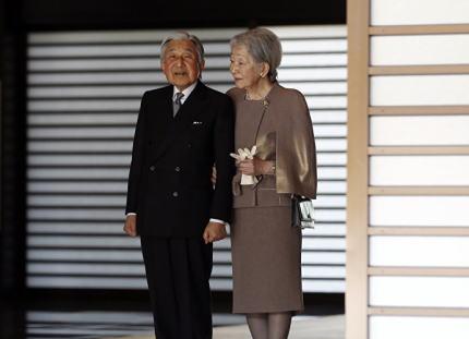 韓国与党議員「文喜相国会議長の天皇関連発言は正しい。天皇や安倍首相が訪韓して被害者に誠実に謝罪をすれば韓日関係回復のきっかけになる。(※元の発言は「日王」)」
