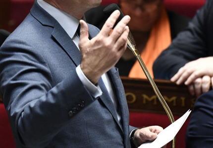 フランスの学校で、同性婚家族の差別をなくすため「お父さん・お母さん」の呼称を取りやめ「親1・親2」と呼ぶ法案が通過