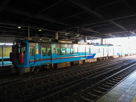 IRいしかわ鉄道 521系3次車【金沢駅】