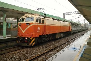 IMG_5158 (2) 貨物列車