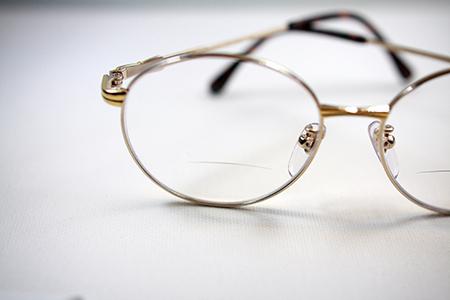 日本製めがねフレーム デッドストック ビンテージ 二重焦点レンズ 加工 新潟県 見附市 長岡市 三条市 眼鏡店