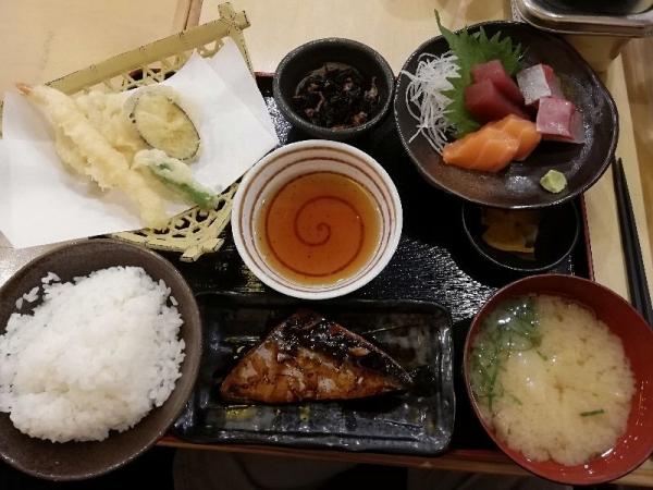 ManmaruSakai_000_org.jpg