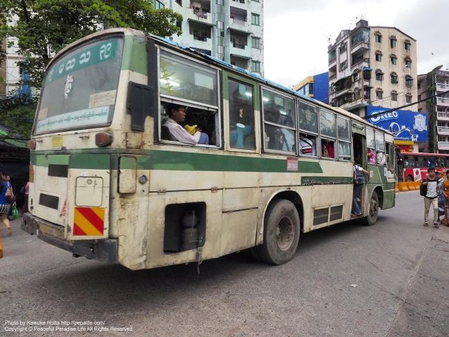 ミャンマー ヤンゴンの路線バス