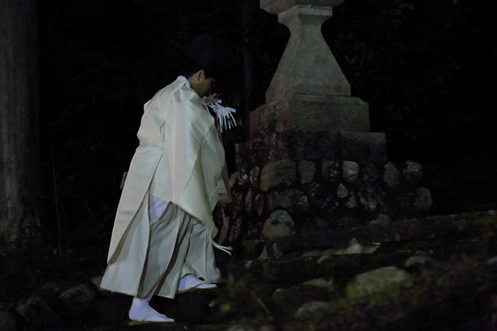 新住八幡神社 オカリヤ行事5
